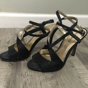 NINE WEST Black and Gold ankle-strap heels-size5.5